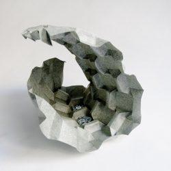 PortaLuppi - Tassellazione origami ispirata alla porta di metallo progettata da Piero Portaluppi per la veranda di Villa Necchi Campiglio.